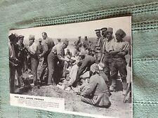 M10a Ephemera ww1 Bild 1915 Gallipoli britischer Arzt besucht Turk