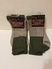 thermal socks, 2 pack, 2 pair of Realtree cotton thermal socks, green & gray