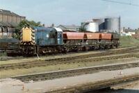 PHOTO  CLASS 08 SHUNTER NO 08865 AT PETERBOROUGH 1988