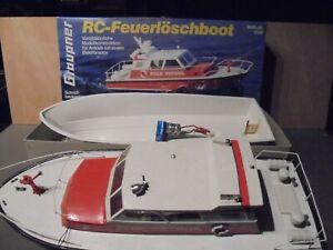 Graupner - 2 x  - Feuerwehrlöschboot oder Polizeiboot. Nr 2138