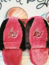 Forever NFL Tampa Bay Buccaneers Slippers (M) 9-10 w/Team Lanyard