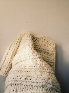 handmade hand-knit giganto 100% wool throw
