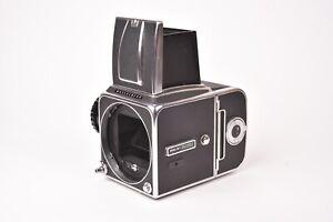 Appareil photo Hasselblad 500 C/M #RV1254126. Avec dos A12.