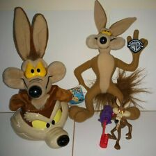 Wile E. Coyote Lot (Soft Toy, Puppet, Ceramic Mug & Figure) Looney Tunes, WB