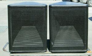 Pair of Renkus Heinz TRAP40 Loudspeaker Speakers 8 OHM TRAP40MH/6CL
