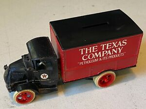 1925 Ertl Mack Square Box Truck Bull Dog TEXACO Delivery Bank The Texas Company