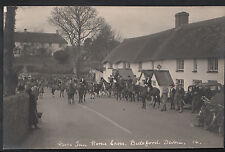 Devon Postcard - Fox Hunting, Hoops Inn, Horns Cross, Bideford D968