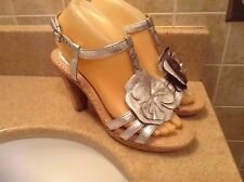 BORN CROWN METALLIC SILVER FLORAL SLINGBACK SANDALS WOMEN'S SIZE 7/38 (91912)