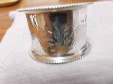 Un grand Victorian sterling silver napkin ring London 1898