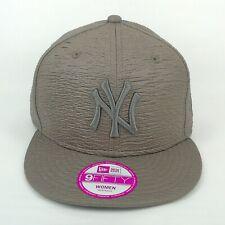 New Era Cap Women New York Yankees Grey Crinkle Design 950 Snapback Team Hat