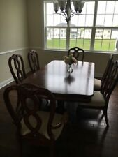 7 Pc Dining room set for 6-Dining Table with Leaf and 6 Dinette .
