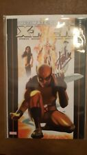 ULTIMATE COMICS X-MEN #1. Signed by Stan Lee (DYNAMIC FORCES)
