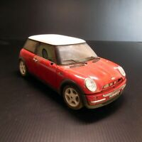 MINI COOPER 2001 1/18 BURAGO Made in ITALY voiture miniature métal rouge N6021