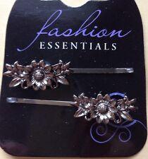 une paire de JOLI gris métallique Design fleur cheveux prises