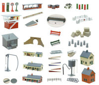Peco OO/HO accessories and buildings plastic kits for model railway (45 models)