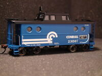 BOWSER N-5c CABOOSE #41450 CR ROAD# 23123 CONRAIL EXECUTIVE LINE