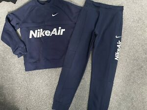 Boys Nike Air Tracksuit Joggers And Jumper Age 10-12 Years Size Medium