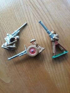 THREE GUNNERS