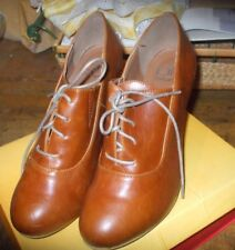 New BF Betani Sz 9 Tan Brown Oxford Heels Women's Shoes