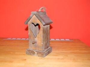 Casetta in legno con cuore per uccellini-Little Bird house with heart