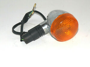 UM / Hyosung V2C-250T : Front Right Turn Signal Assembly (35601HJ8261) {M1544}