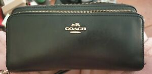 Coach BlackLeather Purse / Wallet...Used...