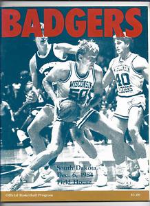 December 6 1984 WISCONSIN vs SOUTH DAKOTA College Basketball Program (JS)