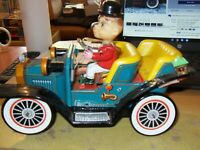 Vintage Tin plate toy car, made in Japan. working order. Original Box VERY RARE