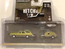 1971 Oldsmobile Vista Cruiser and Teardrop Trailer 1:64 Greenlight 32170A