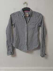 Hollister White Navy Casual Shirt Size XS Womens Long Sleeve (I 343)