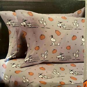 Peanuts SNOOPY Halloween Pumpkin Ghost QUEEN Bed Sheet Set Gray Berkshire *NEW*