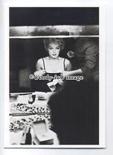b3684 - Film Actress - Marilyn Monroe at the Make Up Table - modern postcard