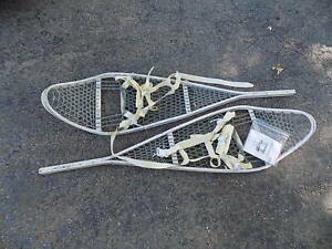 "Nice Vintage US military SNOWSHOES 46"" x 12"" Snow Shoes aluminum frame"