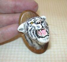 Miniature Nantasy Fantasy White Tiger Head Hunter's Trophy 1998: DOLLHOUSE 1:12