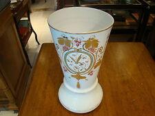 Vase en opaline de cristal peint et émaillé à rehauts d'or hauteur 29 cm