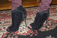 GUESS BY MARCIANO BEVER BOOTIE SIZE 9M