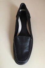 "WOMEN M & S ""Footglove"" SHOES HEELS Size 6 WIDER FIT"