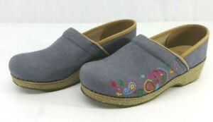 Dansko Vegan Embroidered Denim Blue Canvas Shoes Clogs Women's Size 39 US 8.5-9