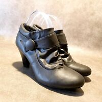 Covington Womens Tatum  Sz 10 M Gray Heeled Ankle Boots Booties
