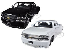 1999 CHEVROLET SILVERADO DOOLEY BLACK & WHITE 2 TRUCKS SET 1/24 JADA 90145 SET