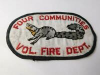 FOUR COMMUNITIES VOLUNTEER FIRE DEPARTMENT FLORIDA VINTAGE  PATCH SOUVENIR BADGE