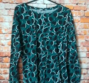 pep + co green and black long sleeve top size 14 armpit to armpit 18 inches