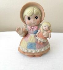 Homco Collectible Figurine Porcelain Girl Waving With Doll 1403