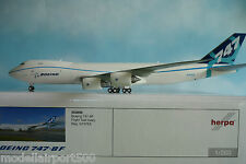 Herpa Wings 1:200  Boeing  747-8F  Flight Test livery N747EX  553858