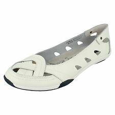 Ladies F3120 White Slip On Shoes By Down to earth £19.99 UK SIZE 7