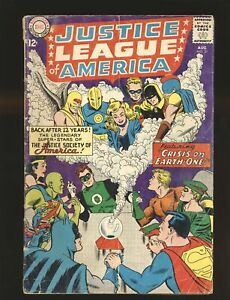 Justice League of America # 21 Crisis on Earth-1 Good Cond. centerfold detached