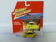 Johnny Lightning Volkswagen 2001 New Beetle