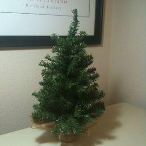 "Rustic 18"" Country Primitive Christmas Tree Burlap Base"