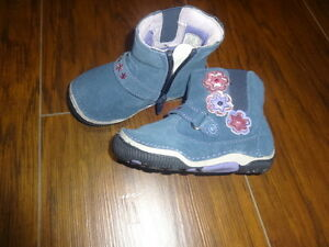 NEW NWOT STRIDE RITE 5M 5 BLUE FLOWER BOOTS SHOES