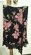 Black flower print skirt sz L